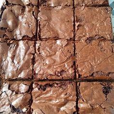Best Brownies Ever Cookie Dough Cake, Chocolate Chip Cookie Dough, Chocolate Brownies, Chocolate Desserts, Food Truck Menu, Food Truck Design, Just Desserts, Dessert Recipes, Gourmet Burgers