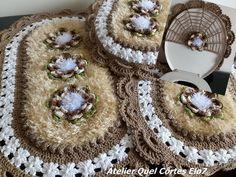 Bottle Cap Crafts, Purple Lace, Bathroom Rugs, Crochet Accessories, Soft Furnishings, Crochet Projects, Crochet Earrings, Diy, Knitting
