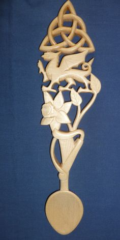 Welsh dragon, daffodil, harp and knot lovespoon – Welsh love spoons by Adam King Welsh Symbols, Celtic Symbols, Celtic Art, Daffodil Tattoo, Daffodil Flower, Cactus Flower, Celtic Knot Tattoo, Celtic Tattoos, Welsh Dragon