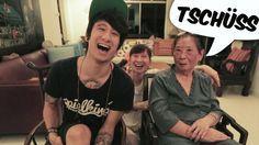 JulienBAM Ultra Witzig!!! :D Er versucht seiner Familie in Singapur deutsch beizubringen :D Ich habs sehr gefeiert! ^^