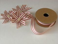 Xmas DIY: vintage red flowers stars  l  decor, gift wrap or paper crafts