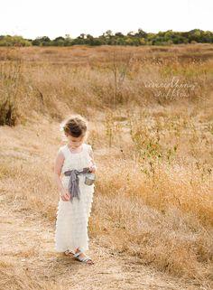 Long Flower Girl Dress by Everything Ruffles par EverythingRuffles