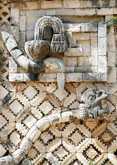 mexico maya statue