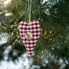 primitive heart ornaments  Christmas tree by BelaStitches on Etsy, $18.00 Primitive Christmas Ornaments, Christmas Ornament Crafts, Christmas Sewing, Handmade Ornaments, Christmas Decorations, Christmas Jesus, Christmas Time, Country Christmas, Christmas Stuff