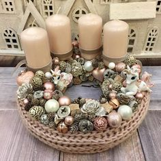 Adventi koszorúk és még sok más - Villa Majolika Rose Gold Christmas Decorations, Christmas Arrangements, Christmas Table Settings, Xmas Decorations, Christmas Themes, Christmas Wreaths, Advent Wreath, Diy Wreath, Diy And Crafts