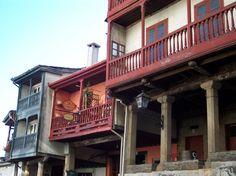 Casco histórico BETANZOS (La Coruña) Cabin, Mansions, House Styles, Home Decor, Waterfalls, Restaurants, Balconies, Places, Decoration Home