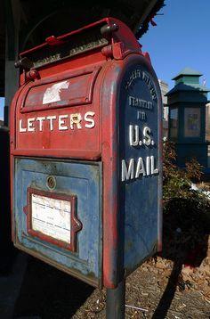 vintage mailbox - I remember these! I'm old, vintage, treasure! Hand Fotografie, Pocket Letter, Post Bus, Objets Antiques, Vintage Mailbox, Red Mailbox, Antique Mailbox, Retro Vintage, Vintage Cartoon