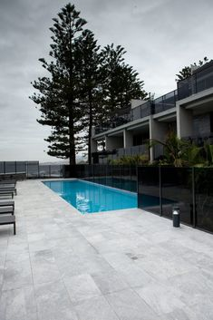 Ash Grey Granite pool coping and pool surrounds My Pool, Swimming Pools Backyard, Swimming Pool Designs, Pool Landscaping, Pool Pavers, Concrete Pool, Pool Tiles, Pool Coping Tiles, Grey Pavers