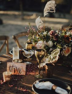 copper table number // elegant, rustic, modern and hip tablescape with gold accents // mountain wedding
