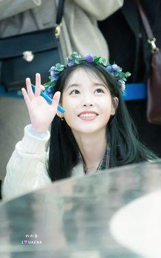 """IU 191128 """"Love Poem"""" Fansign K Pop Music, She Song, Kpop, Korean Singer, Korean Girl, Girl Group, Kdrama, Dancer, Marriage"""