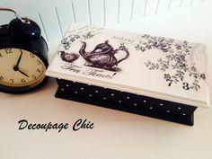 Tea box-black and white tea box-Tea bag storage-Tea organizer-tea box with polka dots Decoupage Furniture, Decoupage Box, Decoupage Vintage, Tea Organization, Tea Storage, Small Tea, Tea Box, Altered Boxes, Shabby