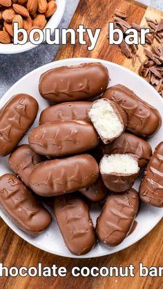 Bounty Chocolate Recipes, Chocolate Dishes, Chocolate Bars, Mars Chocolate, Chocolate Company, Coconut Chocolate, Chocolate Coating, Snack Recipes, Cooking Recipes