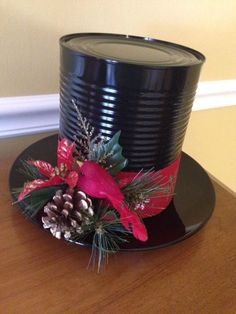 Make Frosty the Snowman's Hat from a Can - Fun Christmas/winter craft to make!
