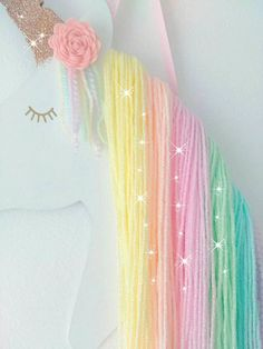 Rainbow unicorn hair bow holder, rainbow bedroom decoration, accessory holder, wooden unicorn, hair bow organiser Regenbogen-Einhorn-Haar-Bogen-Inhaber Regenbogen Schlafzimmer – Station Of Colored Hairs Unicorn Birthday Parties, Girl Birthday, Unicorn Party Decor, Birthday Ideas, Cute Rainbow Unicorn, Rainbow Bedroom, Unicorn Rooms, Unicorn Wall Art, Unicorn Crafts