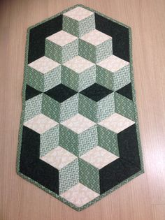 Tumbling Blocks, Baby Blocks, Table Toppers, Quilting Projects, Table Runners, Quilt Patterns, Diy And Crafts, Projects To Try, Patches