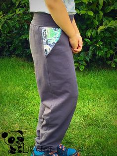 This basic pants pattern is perfect for giving little ones a place to stash their treasures and it's a very quick sew. Easy to follow with step by step instructions and photos. This listing is for a digital pattern file (pdf). NO paper patterns or finished products will be mailed to you. Please do not resell or share this pattern.