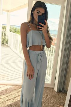 20 Simple Beach Outfit Recommendation for Your Next Vacation