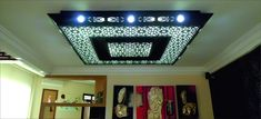 Plafond moderne Flat Screen, Frame, Home Decor, More, Check, Catalogue, Carved Wood, Living Room, Apartment Master Bedroom