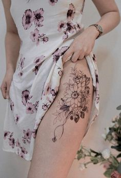 awesome sunflower tattoo © tattoo artist • Goyo • @goyotattooart 💗🌻💗🌻💗🌻💗🌻💗 Dad Tattoos, Tattoo You, Girl Tattoos, Sunflower Tattoos, Geometric Designs, Watercolor And Ink, Tattoo Artists, Tatting, Awesome Tattoos