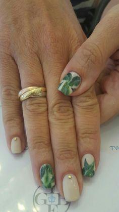 Banana leaf nails 1