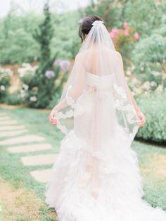 Lace trim veil: http://www.stylemepretty.com/2015/07/30/rustic-romantic-tuscan-inspired-vineyard-wedding/ | Photography: Honey Honey - http://www.hoooney.com/