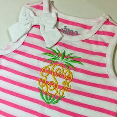 Cute little pineapple topper monogram can go on white T-shirts or onesies.