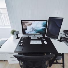 The Perfect Office - Amplio Bamboo Amplifier, Samsung Curved Monitor and Office Ideas Home Office Setup, Office Workspace, Office Ideas, Desk Ideas, Room Ideas, Pc Setup, Room Setup, Computer Desk Setup, Gaming Setup