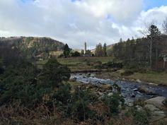 Glendalough in de verte