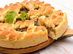 Tourtière sans viande Vegan Vegetarian, Vegetarian Recipes, Cooking Recipes, Vegan Pate, Spanakopita, Veggie Recipes, Veggie Food, Pie Dish, A Food
