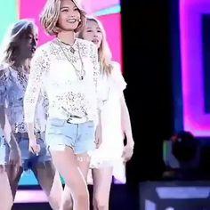 #snsd#girlsgeneration#girl#girls#gg#kpop#taeyeon#jessica#jessicajung#tiffany#sooyoung#yuri#yoona#sunny#hyoyeon#seohyun#aoa#twice#redvelvet#gfriend#gugudan#girlsday#fiestar#mamamoo#hellovenus#dreamcatcher#cosmicgirls#wjsn#dia#doitamazing