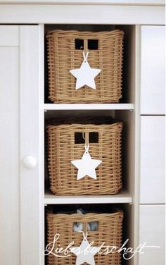 How to Use Wicker Baskets for Decorating Spaces, Storage Basket Crafts, Deco Addict, Home And Deco, Room Themes, Storage Baskets, Decorative Objects, Decoration, Kids Room, Interior Decorating