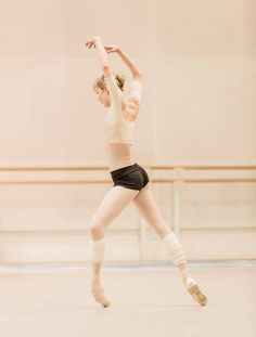 Sarah Lamb in rehearsals for The Royal Ballet's Tetractys - The Art of Fugue © ROH/Johan Persson