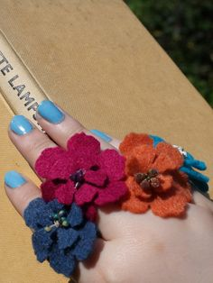 Pretty Flower Rings from CoolCrafting