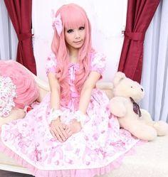such a cute little girl in a pretty dress Ulzzang Fashion, Harajuku Fashion, Kawaii Fashion, Lolita Fashion, Cute Fashion, Asian Fashion, Mode Lolita, Lolita Style, Gothic Lolita