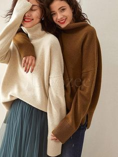 Autumn and Winter New Sweater Women's High Collar Thick Sweater Outside Wearing A Split Slit Sweater Large Size Pullover Friend Poses Photography, Fashion Photography Poses, Fashion Poses, Best Friends Shoot, Photoshoot Inspiration, Look Fashion, Sweaters For Women, Vogue, Portraits