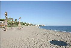 Calahonda beach - lots of sand!