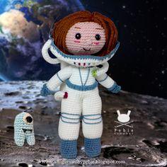This beautiful girl dreams of reaching distant worlds . She is already on the Moon. Esta linda menina sonha com chegar a mundos distantes . E já alcançou a Lua. Esta preciosa niña sueña con llegar a mundos lejanos. Y ya ha alcanzado la Luna. Photo editing: Miguel Ângelo #amigurumi #doll #crochet #astronaut #space #moon #astronauta #boneca #croche #espaço #lua #muñeca #espacio #luna #ganchillo
