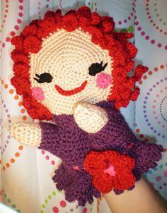 Elf ♥'s Dwarf Crochet: Pattycake Crochet Puppet Doll (no pattern, just pic) Crochet Fabric, Crochet Art, Crochet Animals, Crochet Dolls, Crocheted Toys, Fun Crafts, Diy And Crafts, Christmas Shoebox, Amigurumi