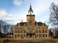 Rezydencja w Roztoce — najpiękniejszy zamknięty pałac w Polsce.