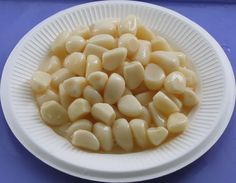 Dehydrated garlic is processed using supreme quality garlic and up to date processing techniques. Further, customers are eased with the easy accessibility of such garlic that are hygienically packed and are free from aroma enhancers, artificial colorants and adulterants.