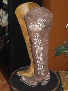 New tall styles from Lane Boots http://www.horsesandheels.com/2012/01/mondays-cowboy-boots-day-7/