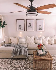 29 comfy living room decoration ideas with farmhous&; 29 comfy living room decoration ideas with farmhous&; Home Living Room, Apartment Living, Living Room Designs, Living Room Wall Ideas, Bobs Furniture Living Room, Living Room On A Budget, Living Room Decor Ideas Apartment, Living Room Picture Ideas, Simple Living Room Decor