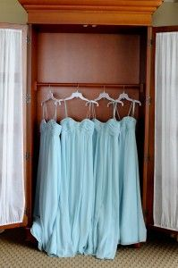 Great picture idea - bridesmaid dresses
