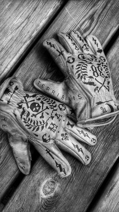 motorcycles custom gloves by BMD Design