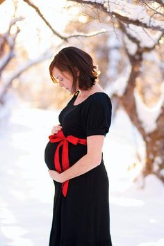 If I ever have maternity pics done, in Winter, when there's snow.