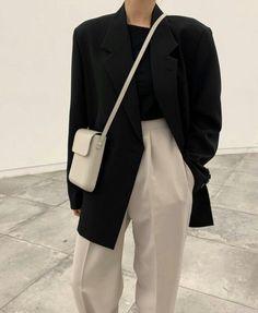 Aesthetic Fashion, Look Fashion, Aesthetic Clothes, Aesthetic Style, 90s Fashion, Winter Fashion, Korean Outfits, Mode Outfits, Fashion Outfits