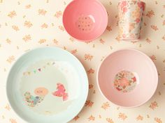 Fine Dining - Dinnertime may verge on chaos (is that spaghetti sauce on the wall?), but tiny diners sit pretty with charming melamine dishware from Australia. Available at shop.lovemae.com, $60.