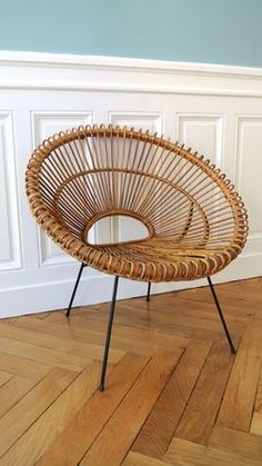 Rattan chair design is made of rattan, a vine-like palm that you can find in the tropical jungles of China, Asia, and Malaysia. The Philippines are one of the biggest sources of rattan. Furniture, Chair Design, Chair, Reupholster Chair, Rattan Chair, Vintage Chairs, Victorian Furniture, Furnishings, Upholstered Chairs