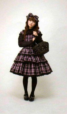 Old school Lolita fashion - Misako Aoki