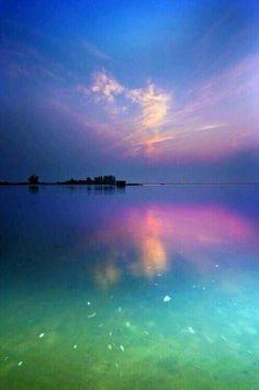 Donde con el mar se encuentra con el cielo.